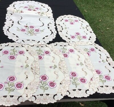6x Vintage Embroidered Doilies & Runner Lot 2