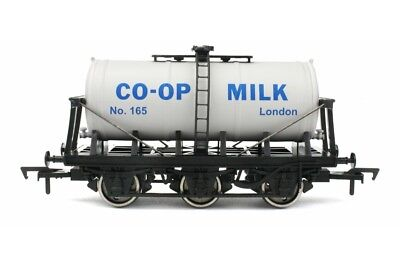 Dapol 4F-031-029 Güterwagen 6-wheel milk tank Co-op No.165
