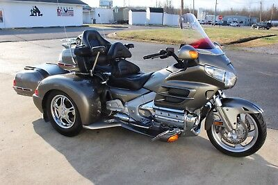 2008 Honda Gold Wing  2008 HONDA GOLDWING GL1800 W/ CHAMPION TRIKE  **SHIPPING STARTS AT $199