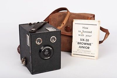 "kodak Six-20  ""Brownie"" Junior UK model"