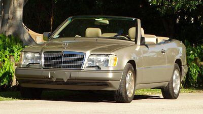 1995 Mercedes-Benz E-Class SEE FULL DESCRIPTION BELOW 1995 MERCEDES BENZ E320 CABRIOLET 4 SEATER CONVERTIBLE WELL MAINTAINED GORGEOUS