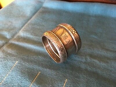 Antique aesthetic Bird motif silver Silverplate Napkin Ring unknow material