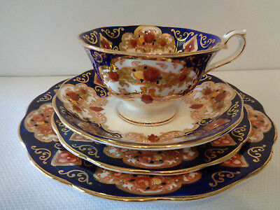 """Royal Albert """"Heirloom"""" Trio & Extra 20cm Plate - Great Condition Marked 2nd"""