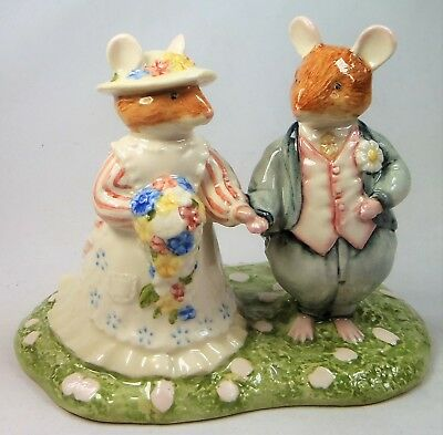 Royal Doulton Brambly Hedge figure The Bride And Groom DBH44