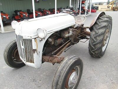 1939 Ford 9N gas tractor three point hitch 12 volt system used antique vintage