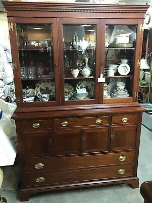 CRAFTIQUE Chippendale Style Mahogany 2 pc China Cabinet, Gorgeous!!!