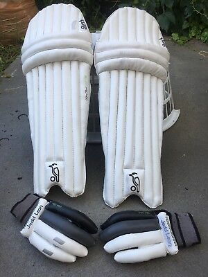 CRICKET PADS AND GLOVES, RIGHT HAND. BOYS size. Good Condition