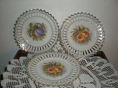3 Assiettes A Dessert En Porcelaine Dentelees Et Ajourees Decor Fruits