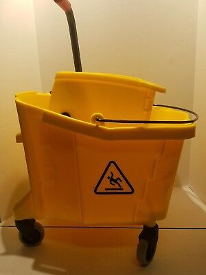 Pro-Pac Side-Squeeze Wringer/Bucket Combo 8.75 gal - Yellow