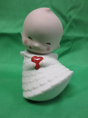 Nao Lladro New Baby Christening Gift Smiling Kewpie with Heart Spain 2009