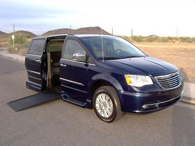 2014 Chrysler Town & Country Limited 2014 Chrysler Town & Country Limited Wheelchair Handicap Mobility Van Low Miles