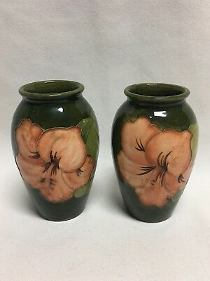 """Moorcroft Pottery Green Pair Matching Hibiscus Flower Vases 4 1/8"""""""