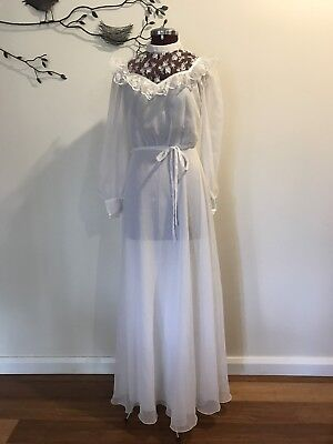 Reduced Vintage 80's Wedding Dress Size 8. Perfect Condition.