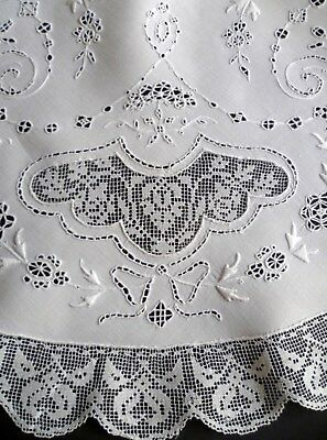"Vintage ITALIAN Embroidered WHITEWORK Filet LACE 35"" Round CENTERPIECE"