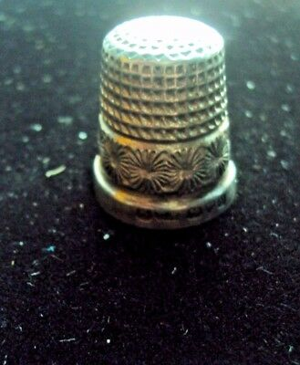 Silver Hallmarked Thimble With Attractive Design