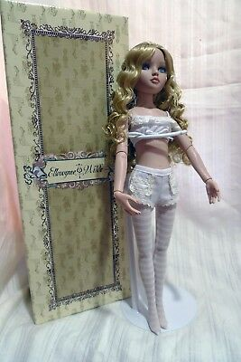 Ellowyne Essential Blonde doll designed by Tonner Collector item 8&up