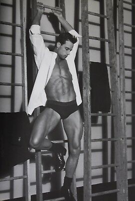 VERSACE 1998-99 MEN'S CATALOG NO. 35 by BRUCE WEBER - VERY HOT