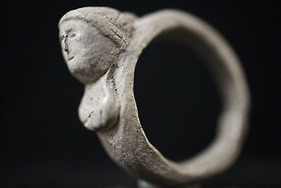 Ancient Roman Silver Finger Ring depicting Female Bust / Empress, c 250-350 AD.