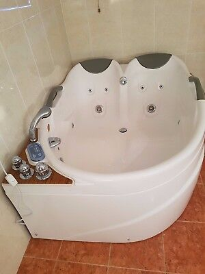 Double Spa bath tub Jacuzzi CD Massage Free Standing Excellent condition