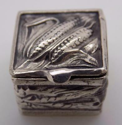 Vintage Solid Silver Italian Made 1 or 2 Pill Decorated Box, Closes Firmly,Stamp