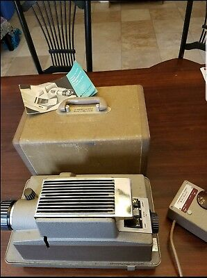 Vintage Bell & Howell Robomatic 765-A Slide Projector w/Case Manual Timer WORKS