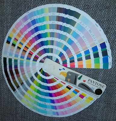 Pantone Farbfächer Color Formula Guide 1000 coated/uncoated