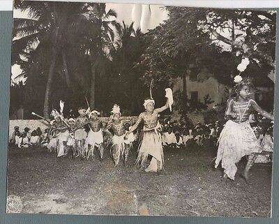 Vintage Press Photo 1944 YOUNG LOYALTY ISLAND NATIVES IN CEREMONIAL DANCE  # 718