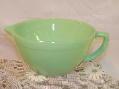 Vintage FIRE KING Jadeite Green Mixing Batter Bowl w Handle & Spout VERY NICE!!