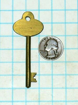 Real Vtg Antique Old Ornate Fancy Odd All Brass Solid Barrel Skeleton Key lock