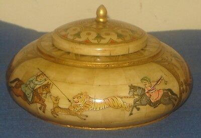 Vintage Look Fine Hand Made Hunting Figure Painted Work On Tobacco Box