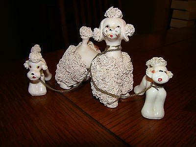 Vintage Spaghetti Poodle Dogs Figurine Pink Mom Puppies Chained 1950S #1528