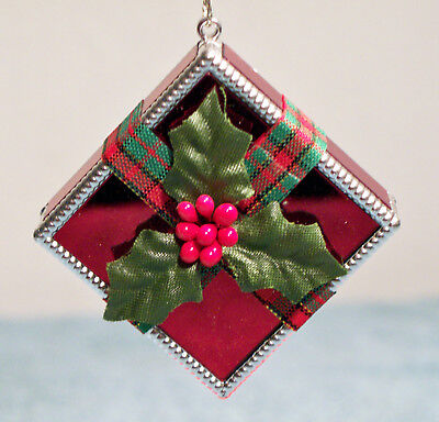 All Wrapped Up For Christmas Avon Gift Collection Tree Ornament Gift Present