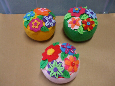 Quilters Sewers Flowered Felt Pin Cushion