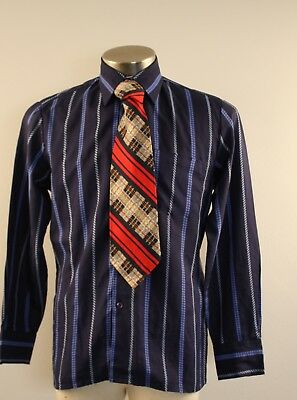 MEDIUM  BLUE ORIGINAL VINTAGE 1970s MENS SHIRT AND TIE.