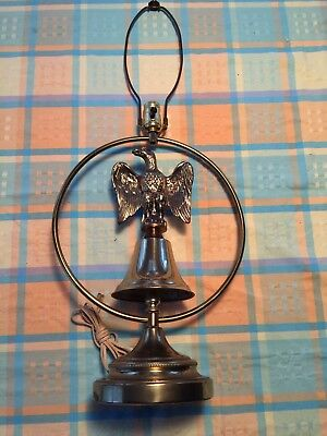 VINTAGE TABLE LAMP BRASS W EAGLE ON BELL PATRIOTIC EARLY AMERICAN Style