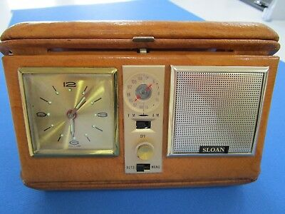 """Vintage Retro   Travelling Radio and Clock """"WORKING FM/ AM"""" in Hard Leather Case"""