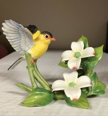 1991 Andrea by Sadek Bird Figurine Goldfinch w/Dogwood Made in Japan #8702