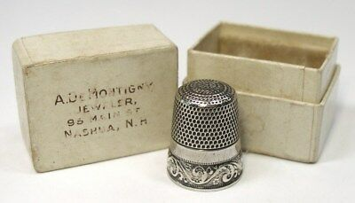 Antique Waite Thresher Co. Sterling Silver Thimble Running Scrolls  Jeweler Box