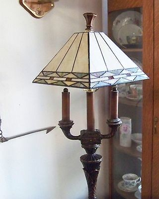 Tiffany Style Stained glass Lamp, Desk, office, den, foyer, hall, any room