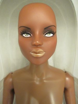 "Urban Vita Intrigue Zhonti Espionage Horsman Fashion Doll 19pt BJD 16"" READ DESC"