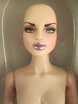 Urban Vita Au Courant Ysla Nude Bald Horsman Fashion Doll BJD Euro Collection