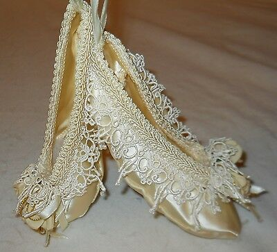Slippers, Decorative Ivory Satin W/lace, Floral, Beaded Design, Fancy & Lovely!