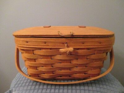 1988 Longaberger Medium Purse Basket with Hinged Lid and Latch