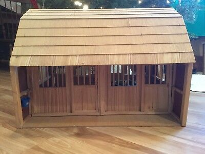 Model Horse Barn • Natural finish, ready to paint or stain approx. 30x18x18""