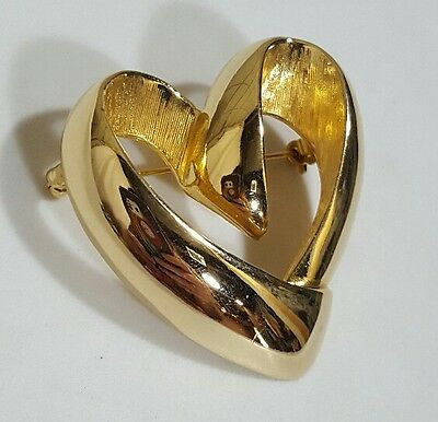 Vintage Brooch Pin Brushed Gold Tone Love Heart Retro Jewelry Unbranded