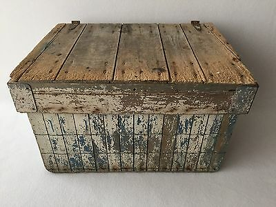 Antique Vintage Wood Wire Box Crate Trunk Chest with Lid Rustic Farmhouse Decor