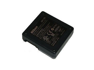 Nikon MH-53 Battery Charger 8.4V DC 0.6A 9