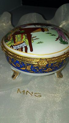 Collectible Vintage Jewelry Trinket Box Mirrored Chinese Asian Porcelain Decor