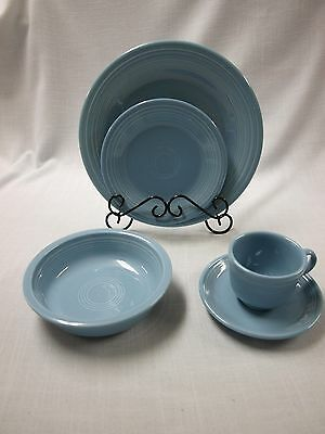 Homer Laughlin FIESTA PERIWINKLE 5 piece place setting