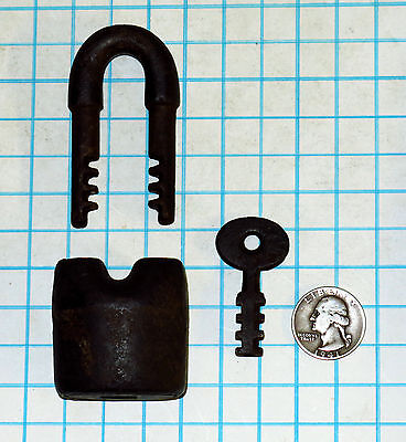 Genuine Vtg Antique Old Iron Scandinavian Padlock & Original 113 Key Prison Lock